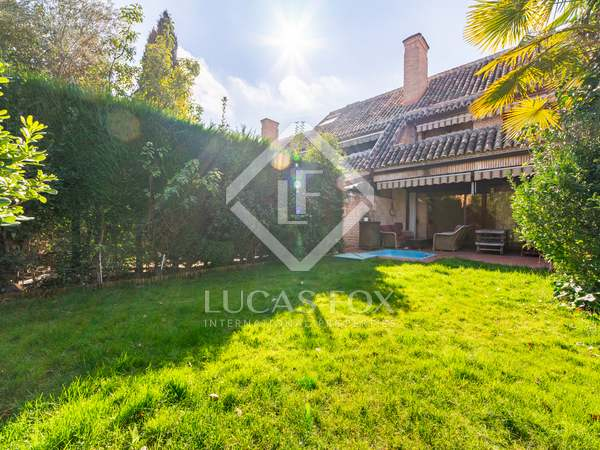 320m² House / Villa with 300m² garden for sale in Pozuelo