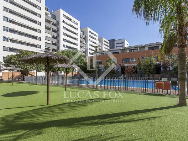 292m² House / Villa for sale in El Pla del Real, Valencia