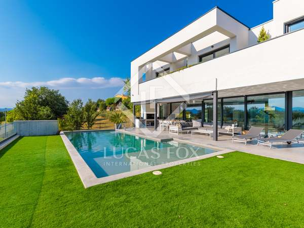 461m² House / Villa for sale in Palau, Girona