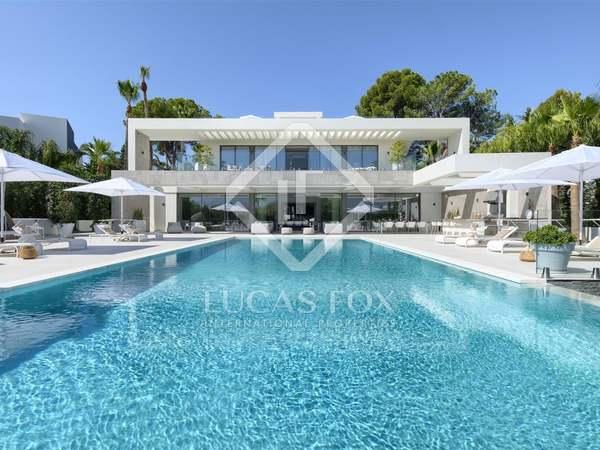Huis / Villa van 1,197m² te koop in Nueva Andalucía