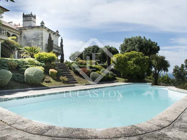 717m² Haus / Villa zum Verkauf in Pontevedra, Galicia