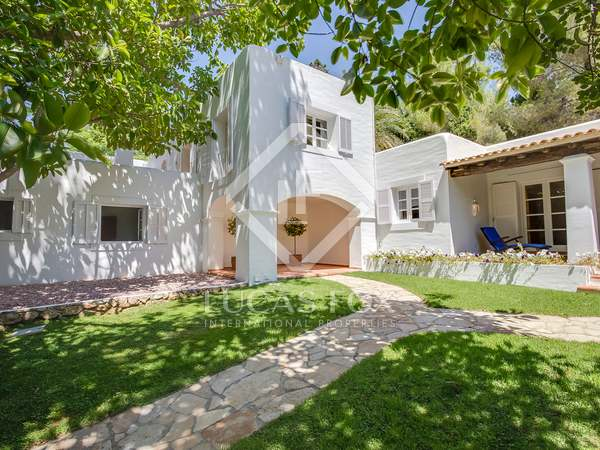 954m² villa for sale in Santa Eulalia, Ibiza