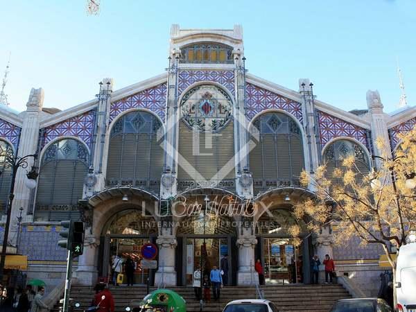 Parcel·la de 1,625m² en venda a El Mercat, València