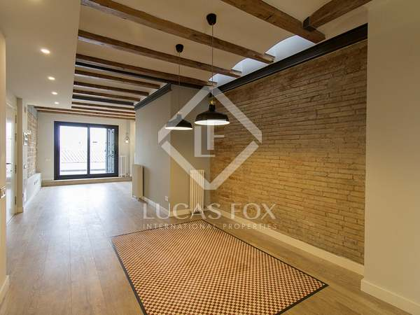 127m² Penthouse with 180m² terrace for sale in Eixample