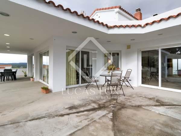 490m² House / Villa with 1,140m² garden for sale in Urb. de Llevant