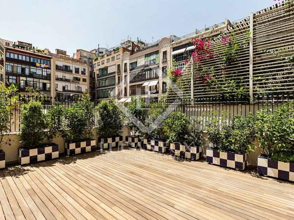 Piso con 71 m² de terraza en venta en Eixample Derecho