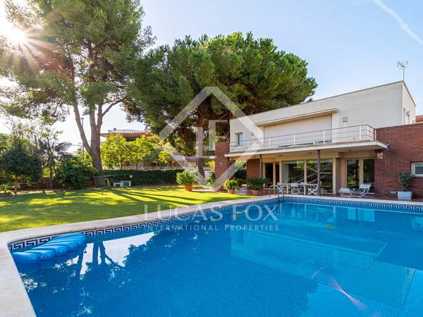 253m² House / Villa with 450m² garden for rent in La Pineda