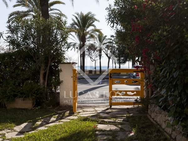Maison / Villa de 178m² a vendre à Vilanova i la Geltrú