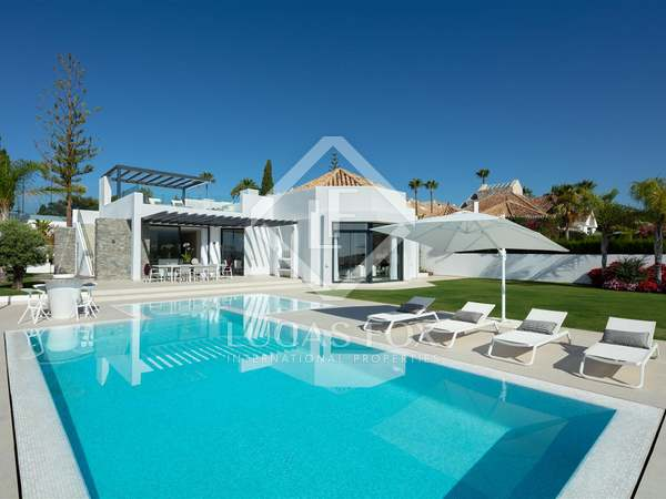 Huis / Villa van 351m² te koop met 135m² terras in Nueva Andalucía