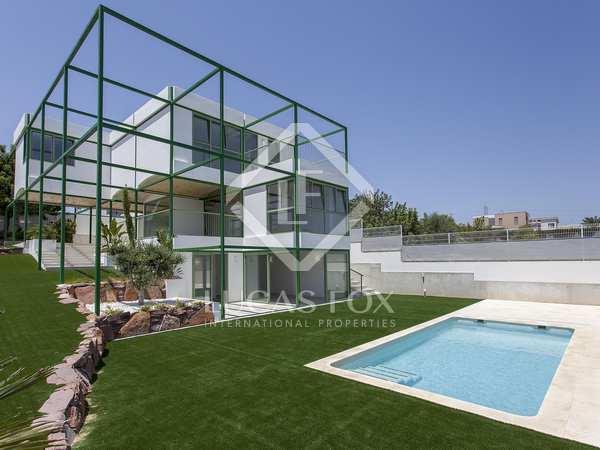 750m² House / Villa for rent in Godella / Rocafort