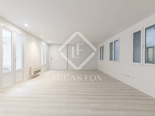 195 m² apartment for sale in Cortes / Huertas, Madrid