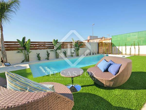 115m² House / Villa with 100m² terrace for sale in Alicante ciudad
