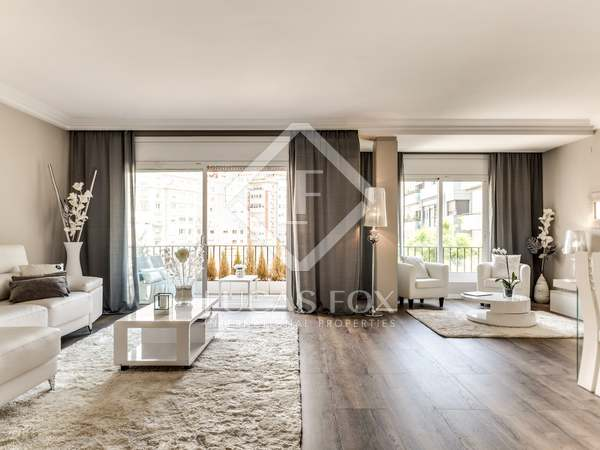 160 m² apartment with a terrace for sale in Sant Gervasi - La Bonanova