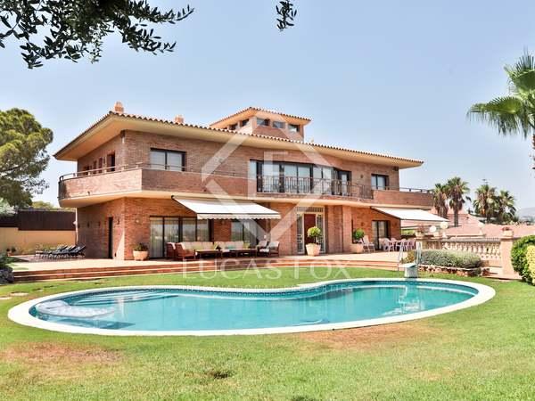Villa de 519m² en venta en Vilanova i la Geltrú
