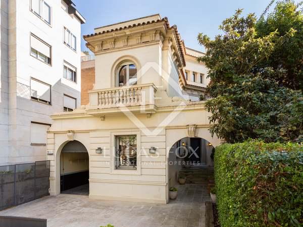 Дом / Вилла 609m², 25m² террасa на продажу в Трес Торрес