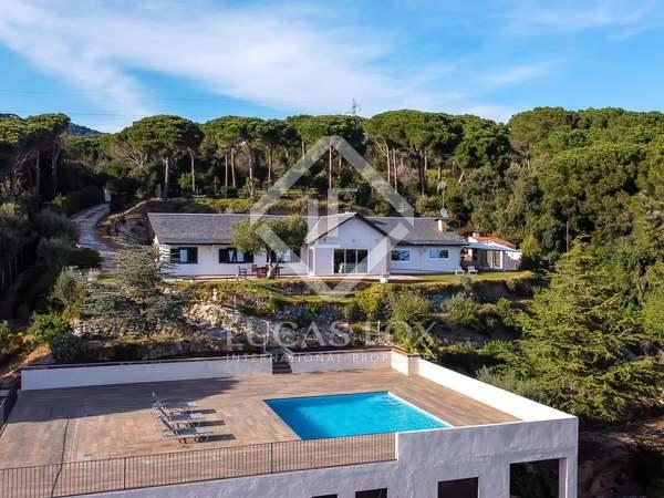 206m² House / Villa with 3,700m² garden for sale in Sant Andreu de Llavaneres