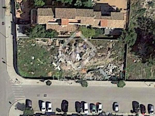 Parcela de 780 m² en venta en la urbanización Campolivar