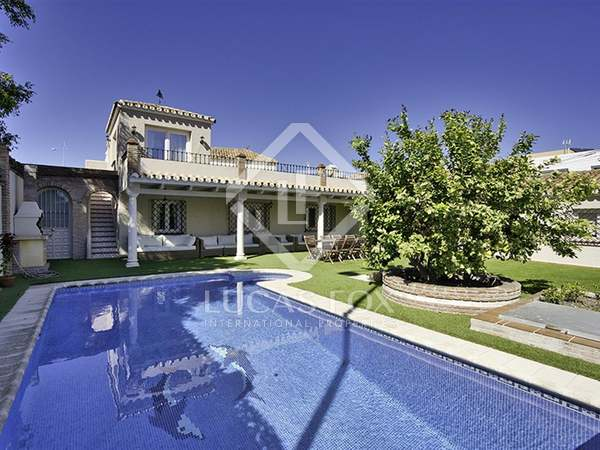 233m² House / Villa with 430m² garden for sale in San Pedro de Alcántara / Guadalmina
