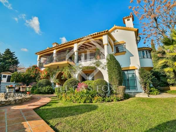 Espectacular villa de estilo andaluz en venta en Marbella