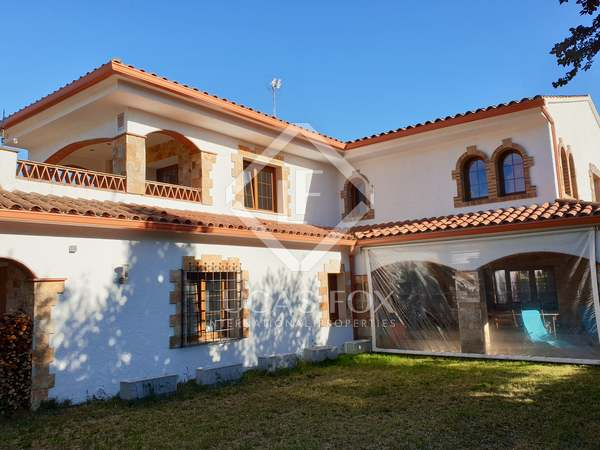 289m² House / Villa for sale in Santa Cristina, Costa Brava