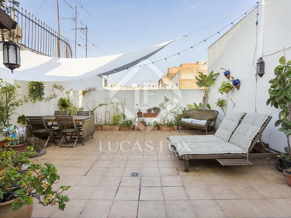 65m² Penthouse with 42m² terrace for sale in Eixample Left