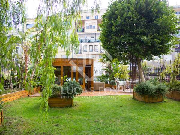 279 m² apartment with a terrace for sale in Eixample Right