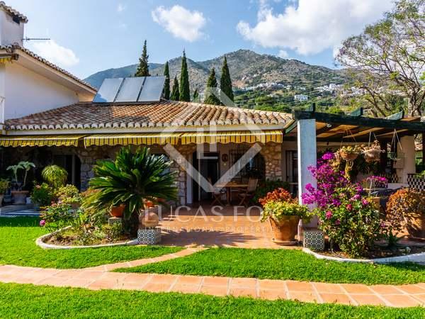 Huis / Villa van 1,148m² te koop in Mijas, Costa del Sol
