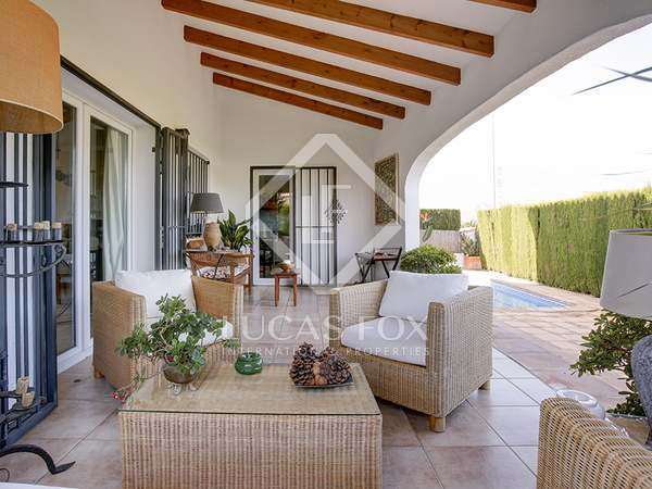 172 m² house with 280 m² garden for sale in Denia