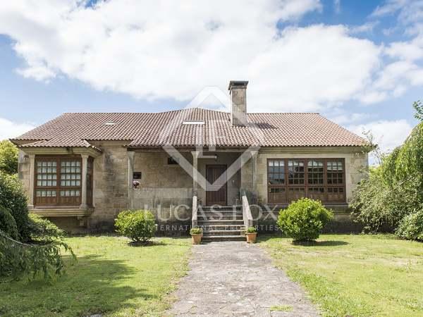 Villa de 795m² en venta en Pontevedra, Galicia