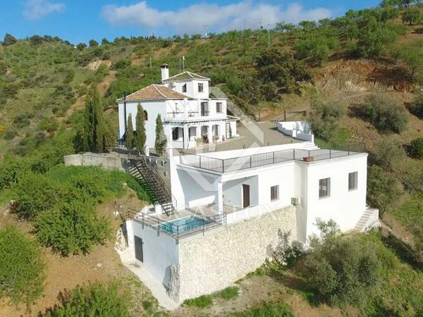 742m² Country house for sale in East Málaga, Málaga