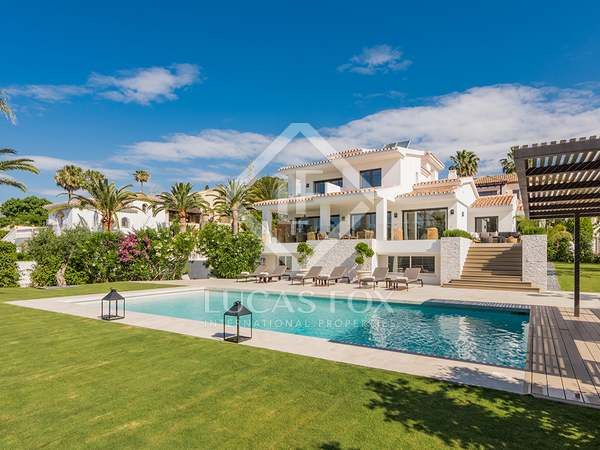 467m² House / Villa with 302m² terrace for sale in Elviria