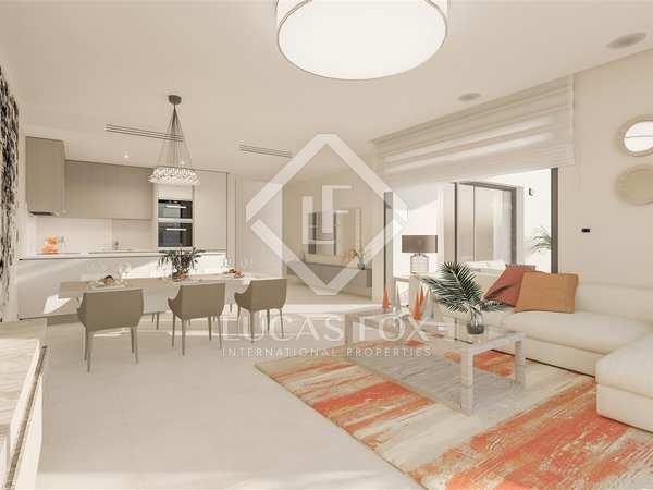 Apartamento amplio con jardín de 164m² en venta en Estepona