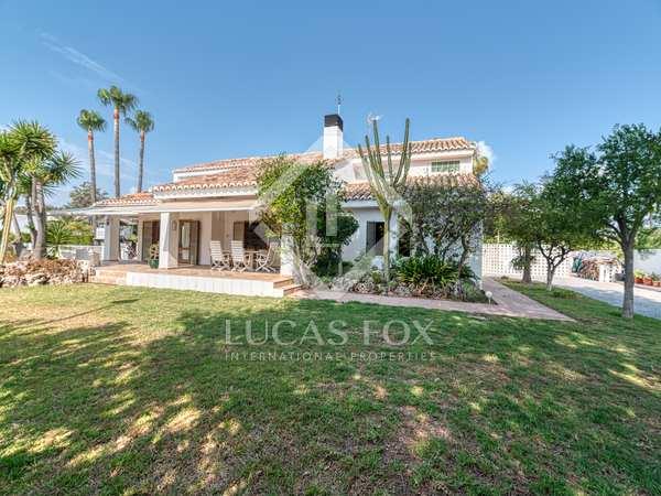 200m² House / Villa with 621m² garden for rent in Playa Sagunto