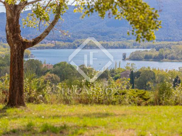 632m² House / Villa for sale in Pla de l'Estany, Girona