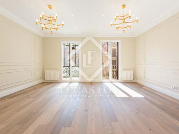 Piso de 178 m² con terraza en venta en el Eixample Derecho