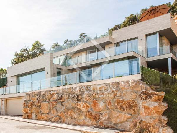 450m² Haus / Villa zum Verkauf in Lloret de Mar / Tossa de Mar