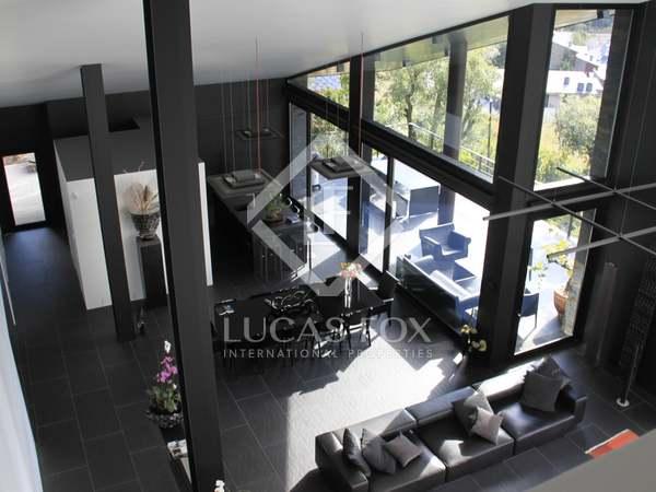 Вилла на продажу в Сан Хулия де Лория - элитная недвижимость в Андорре