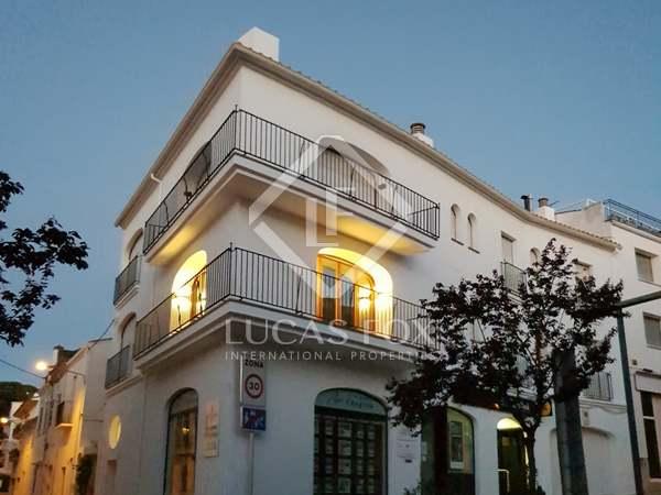 230m² Apartment with 25m² terrace for sale in Llafranc / Calella / Tamariu