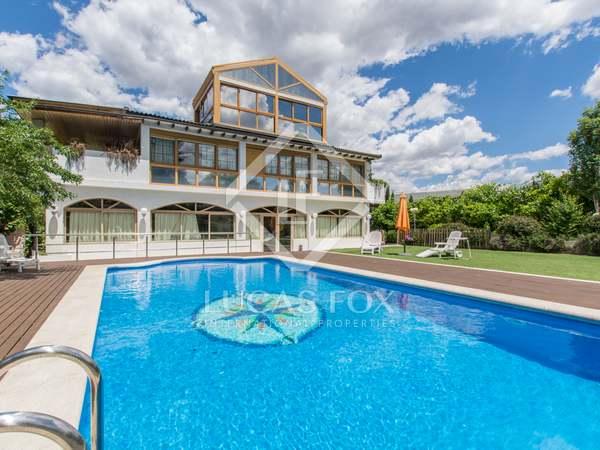 700m² House / Villa for rent in Aravaca, Madrid