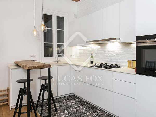 Renovated apartment with 2 bedrooms for rent in Gracia