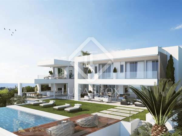 Newly-built 4-bedroom villa for sale in Benahavis