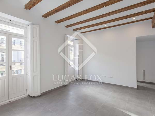 109m² Apartment with 20m² terrace for rent in Extramurs