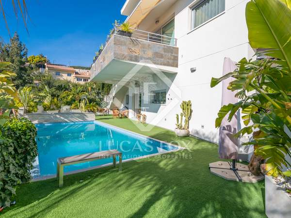 Huis / Villa van 400m² te koop in East Málaga, Malaga
