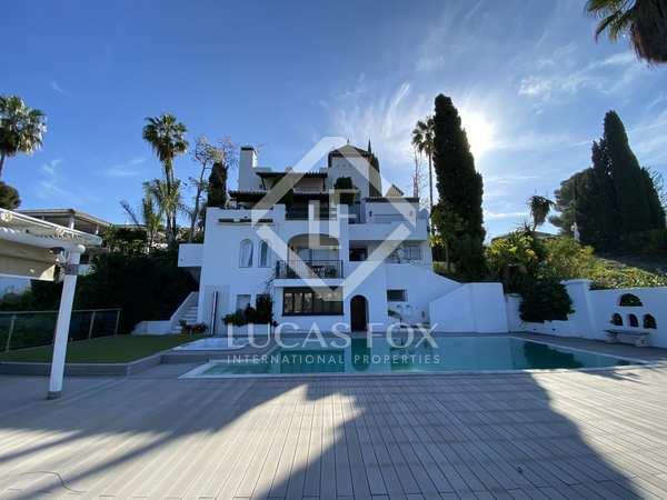 huis / villa van 300m² te koop met 1,137m² Tuin in Nueva Andalucía