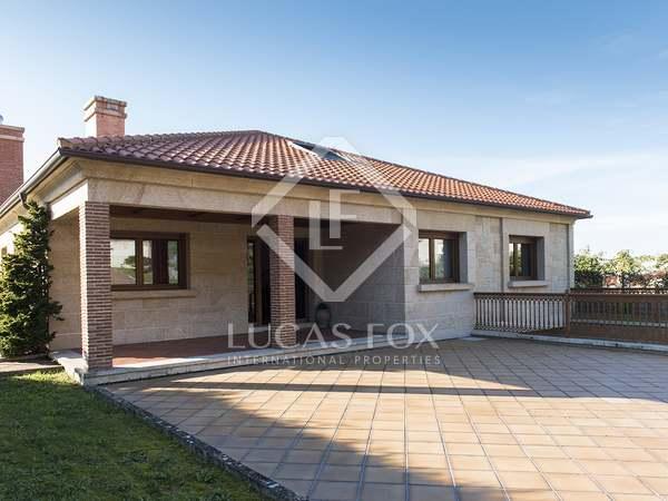 Casa de 587m² en venta en Pontevedra, Galicia