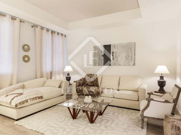 93 m² apartment with a terrace for sale in Eixample Left
