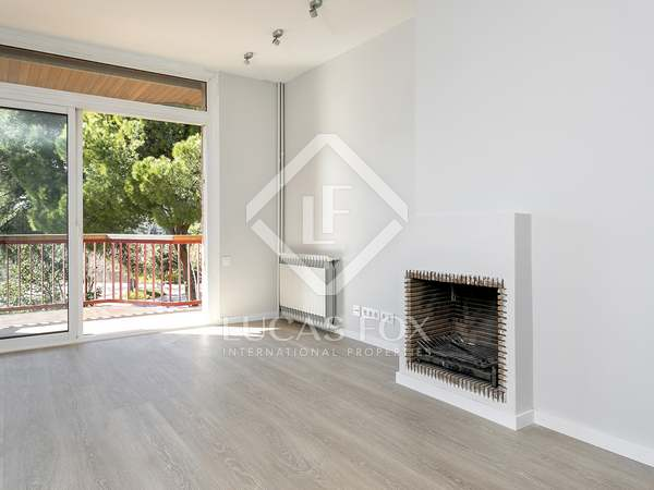 150m² Apartment with 10m² terrace for rent in Pedralbes