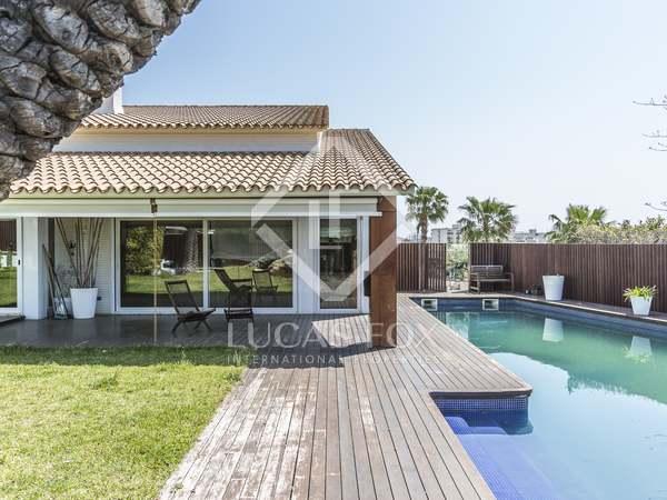 537m² House / Villa for sale in Calafell, Tarragona