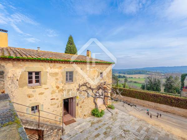 367m² Country house with 845m² garden for sale in Baix Empordà