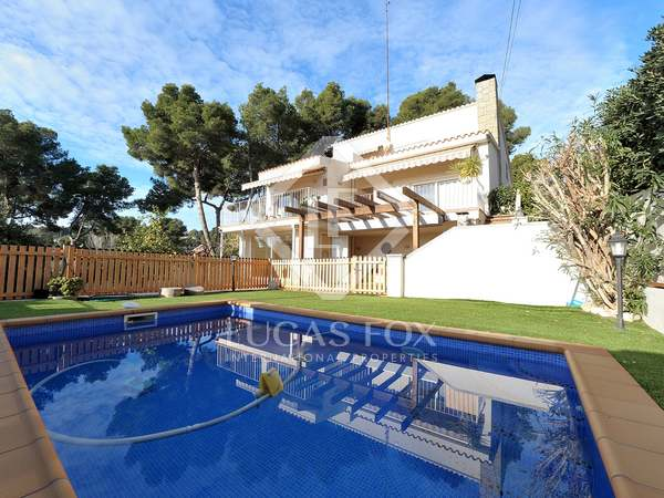 Дом / Вилла 279m² на продажу в Кастельдефельс